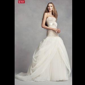 White VERA WANG Tulle Mermaid Wedding Dress 10